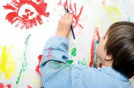 8. Làm thế nào để trẻ có hứng thú học vẽ tranh 1 - Nên cho con học vẽ tranh từ lúc mấy tuổi là phù hợp?