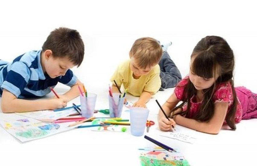 9. Nên cho con học vẽ tranh từ lúc mấy tuổi là phù hợp 1 850x550 - Nên cho con học vẽ tranh từ lúc mấy tuổi là phù hợp?