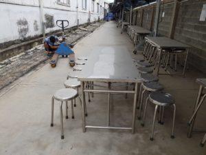 5 mẫu bàn ghế ăn công nghiệp được sử dụng nhiều nhất 2 300x225 - 5 mẫu bàn ghế ăn công nghiệp được sử dụng nhiều nhất