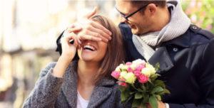 Quà 83 đẹp ý nghĩa khiến chị em phụ nữ hạnh phúc nhất khi nhận 3 300x152 - Quà 8/3 đẹp, ý nghĩa khiến chị em phụ nữ hạnh phúc nhất khi nhận